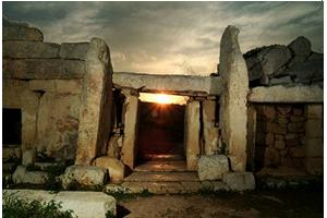 symbols and signs: equinox - Mnajdra equinox